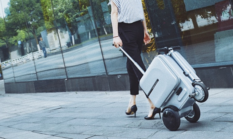 Airwheel SE3,rideable suitcase